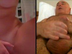 Home es masturba mirant noia molt maca