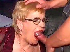 Bir DP olarak, büyükanne ve onun gözlük yüz