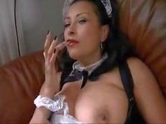 Danica Collins-Colf in calze a rete Usando un dildo nero