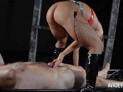 Tillgänglig i allmänna Det Devine samt Sexy Vanessa leka flöde med slav