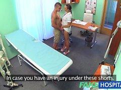 FakeHospital plot déchirés récupère les infirmière méchant