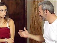 Glamour klienten Ashley Adams blir knullade om massage bord