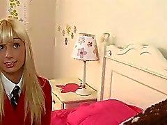Sarışın kız öğrenci Erica Fontes öğretmen onu ayartmak
