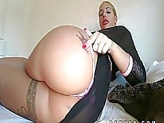 Kyra Hot knows how to tease her ass