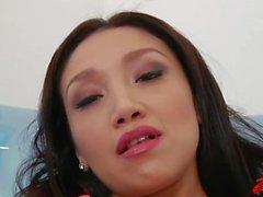 Asya Vicki Chase Dövülmüş Her Ass'a Gets