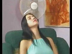 Brunette gets hypnotized at a restaurant and he gets to bang her