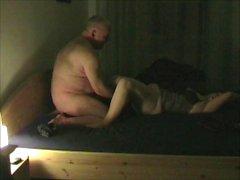 junges geiles Girl zum Orgasmus geleckt