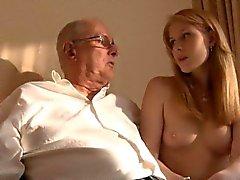 Старик заманивают ебать молодую девушку