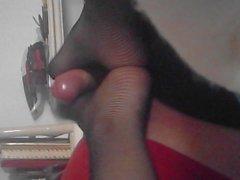 paja con medias de rejilla