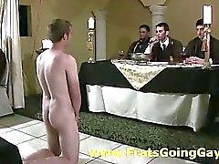 Fratellanza omosessuali ostenta dei ragazzi universitari dilettanti nuda