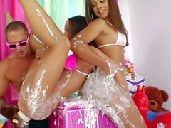 Jynx Maze and Jayda Stevens are wet and messy in 3some action