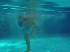 Relaxxxed - Horny Lana and Leny Evil fuck underwater in the pool with close up shots