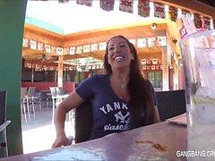 In dieser Gang Bang Sahnetorte Videos G19 dauert nur 5 Ladungen Sperma an