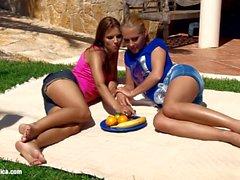 Garden Affaire avec Klara et Katerina sur Sapphic E