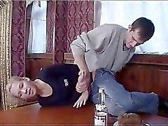 Russischen Boy fuck ziemlich betrunken Mädchen