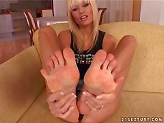Blonde With Nice Feet Plays With Dildo