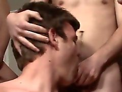 Bögen porr en Bukkake i nervös Nathans