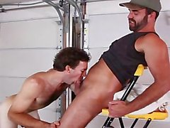 Chris Baldwin & Dodger Wolf fuking and sucking in this hot video!!