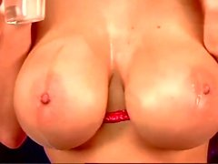 Webgirl - qu'Alice de Goodwin - rouges sexy - nude