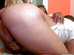 Walkiria and Jhoany Wilker make guy suck