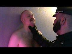 Danimarkalı Beyler - Bir bir ayı ve yaptığı Slaveboy Bölüm 1. zincire Kurmak