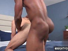Sexo anal gay latino e creampie