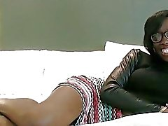 Hot ebony babe never minds being filmed during sex
