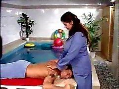mature gros seins anal et fisting a ala piscine