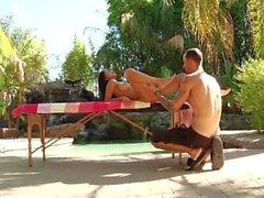 Megan Salinas à la piscine