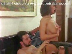 Итальянский пупсик Angelica Белла и Джессики Риццо делиться петухом