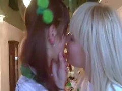 True love between russian girl2girl