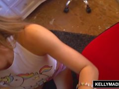 Kelly Madison - Moka Mora follan duro y Creampied