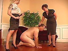 Double paddling from two Mistress