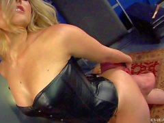 Hot mistress Alexis Texas with bubbly butt
