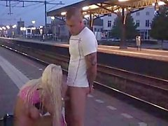Railway Station Slut Giving Head