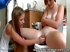 Tiener vrouwtjes naakt