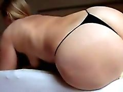 sarah grandes buttcrash