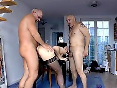 Mature brit spitroasted in mmf trio