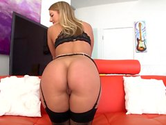 Beautiful, big-assed blonde Candice Dare is eager to prove