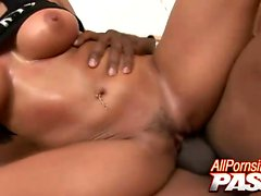 Is there anything hotter than watching Jenaveve Jolie ride