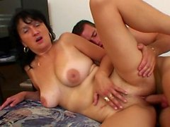 MILF Luscious veut son grand personnel dur