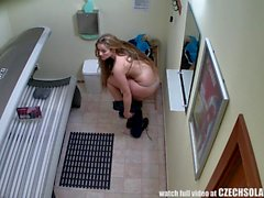Beautiful Teen Pussy Spied in Solarium