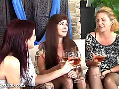 Horny Housewives Can't Control Themselves!