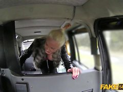 A taxi driver gets so lucky with his Busty passenger