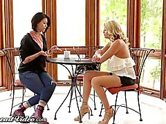 Shyla Jennings Facesits on Lesbian Stepmom
