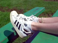 Shoeplay in Adidas Superstar
