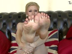 Michelle Moist - Foot Fetish Solo 04