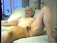Isoäiti iso pillu