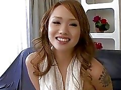 Luna shaving her twat before fingering until orgasm