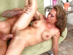 Porn addicted mom knows how to fuck